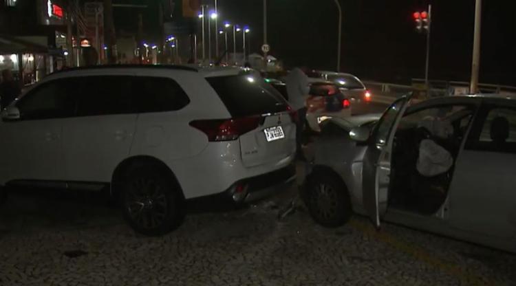 Ocorrência na Pituba envolveu três veículos - Foto: Reprodução | TV Bahia