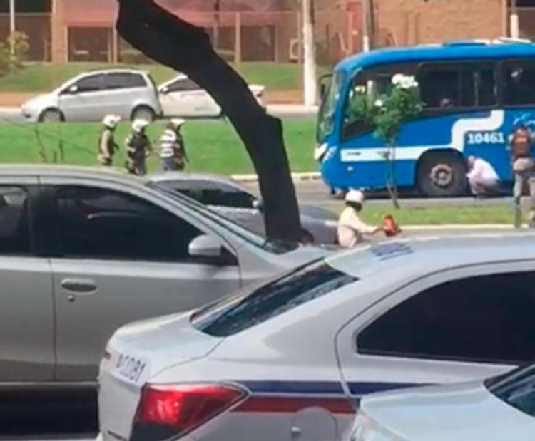 Ação da polícia durante negociação com os suspeitos - Foto: Reprodução