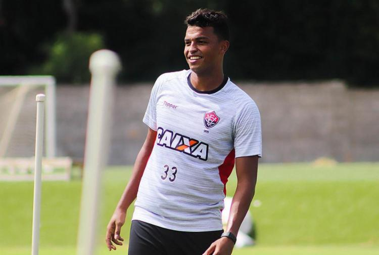 Zagueiro deixou boa impressão na partida contra o Fluminense - Foto: Maurícia da Matta l Ag. A TARDE