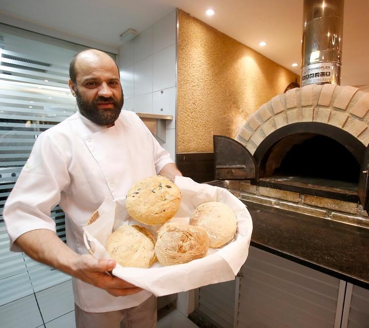 Quando começou a trabalhar com gastronomia, o chef Alessandro Narduzzi levou novos sabores para casa. Foto: Luciano Carcará / Ag. A Tarde