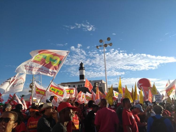 Trabalhadores também cobram a liberdade de Lula e respostas sobre assassinato de Mariele Franco - Foto: Conceição Ferreira | Cidadão Repórter