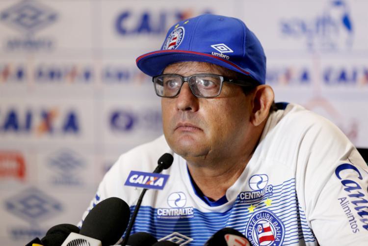 Guto vai promover a entrada de Júnior Brumado no lugar de Edigar Junio. - Foto: Felipe Oliveira   EC Bahia