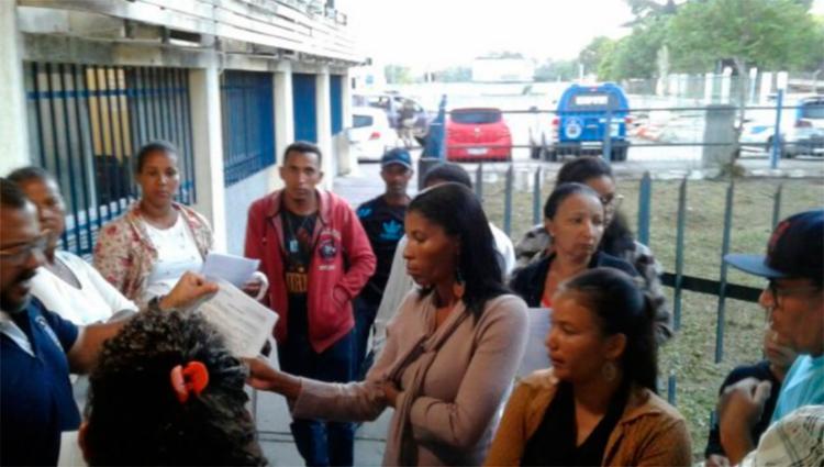 Passageiros registraram a ocorrência no complexo policial | Foto: Ed Santos | Reprodução | Acorda Cidade