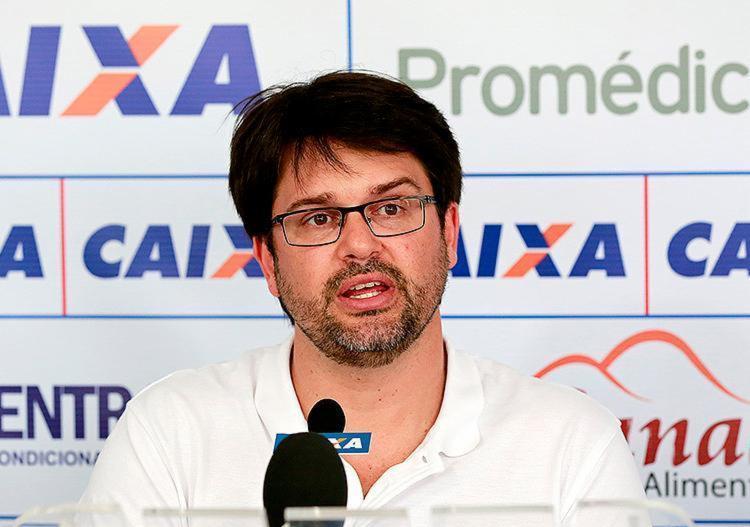 O dirigente pregou paciência para definir se contratará reforços para o ataque - Foto: Felipe Oliveira l EC Bahia