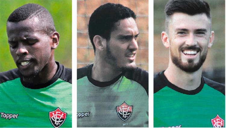 Após novas falhas de Caíque (E), Ronaldo (C) e Elias (D) surgem como opção para defender a meta Rubro-Negro contra o Ceará - Foto: Maurícia da Matta | EC Vitória | Divulgação