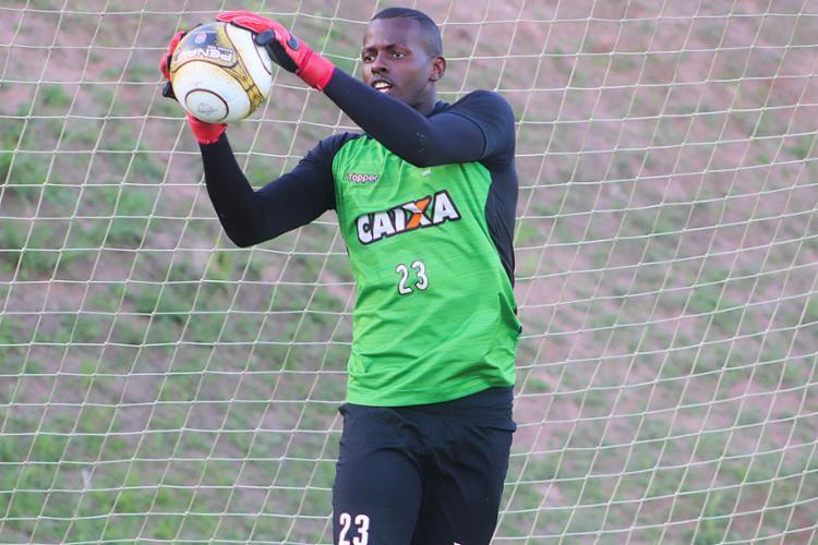 Caíque sofreu três gols pela Copa do Brasil durante a última semana - Foto: Maurícia da Matta l EC Vitória