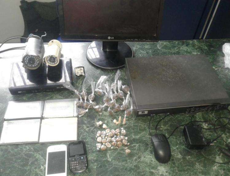 A central de câmeras era utilizada para administrar o tráfico de drogas da região - Foto: Divulgação | SSP-BA