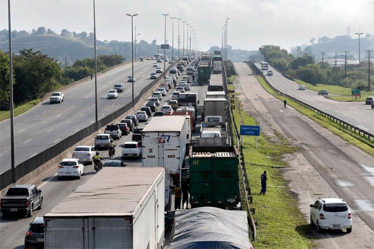 Paralisação continuou a despeito de acordo assinado com o governo na quinta-feira, 24 - Foto: Tânia Rêgo l Agência Brasil
