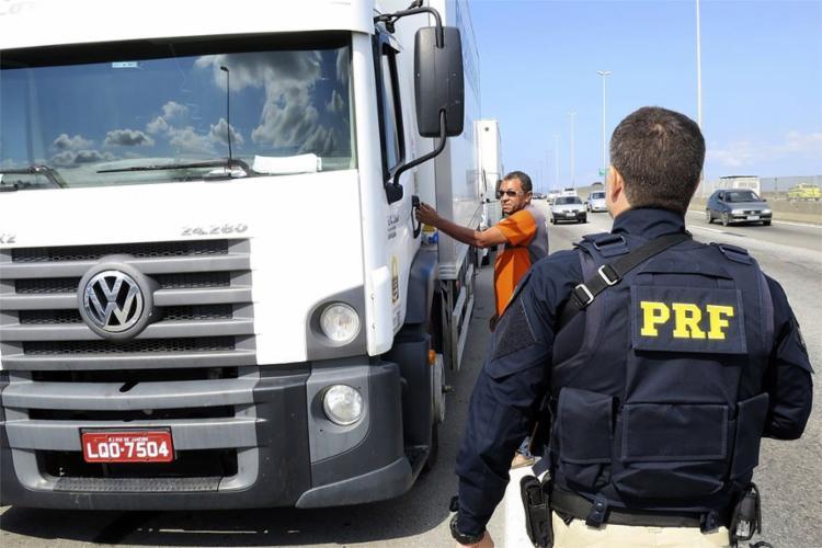Ministério da Defesa determinará quem será o condutor dos veículos, entre servidores da administração pública e militares - Foto: Vladimir Platonow l Agência Brasil
