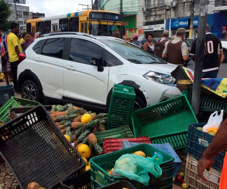Acidente aconteceu em frente à Estação Ferroviária - Foto: Cidadão Repórter | Via WhatsApp
