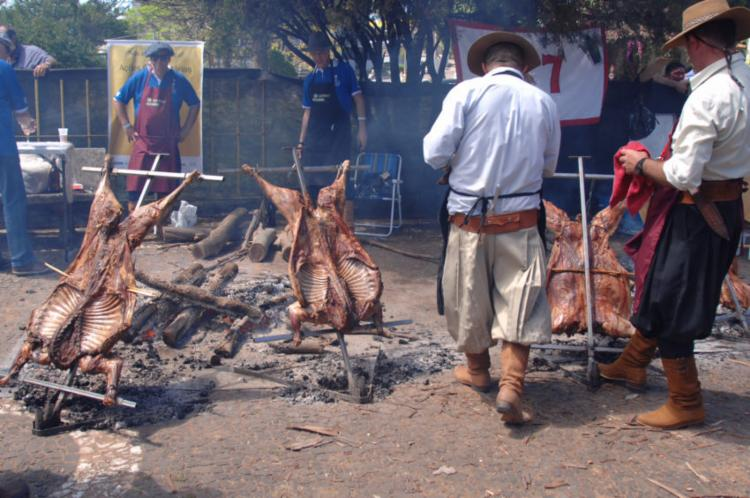 A maior quantidade de HPAs é absorvida mesmo pela ingestão do churrasco, aponta estudo - Foto: Duda Pinto | APlateia | Foto Pública
