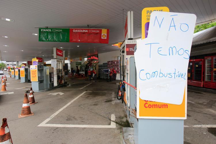 Capital baiana deve ficar sem combustível até o final do dia - Foto: Margarida Neide | Ag. A Tarde