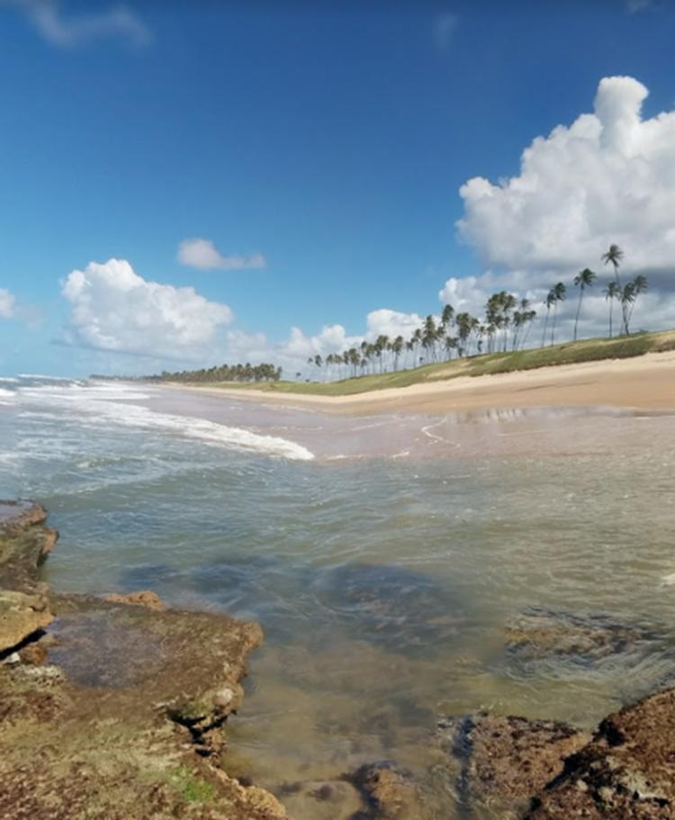 Corpos foram encontrados no litoral de Mata de São João - Foto: Reprodução | Google Maps
