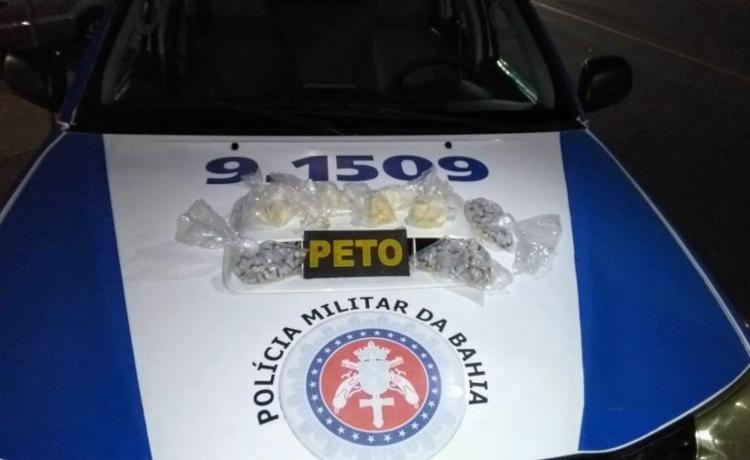 Dois quilos de crack foram encontrados enterrados no fundo de um quintal - Foto: Divulgação| SSP-BA