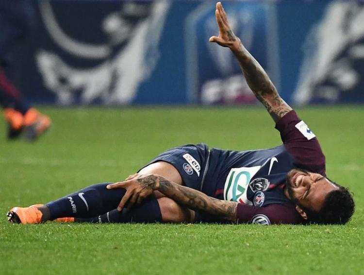 Baiano saiu de campo com um problema no joelho direito na última terça, 8 - Foto: AFP
