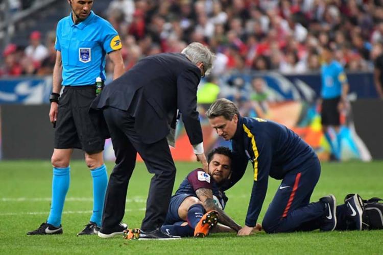 Baiano se lesionou menos de uma semana antes de Tite anunciar a lista final de convocados - Foto: Damien Meyer   AFP