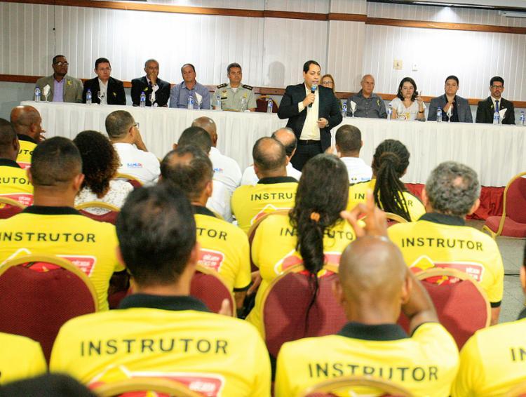 Lúcio Gomes, diretor-geral do Detran-BA, fala durante o evento de lançamento da campanha Maio Amarelo - Foto: Luciano da Matta l Ag. A TARDE