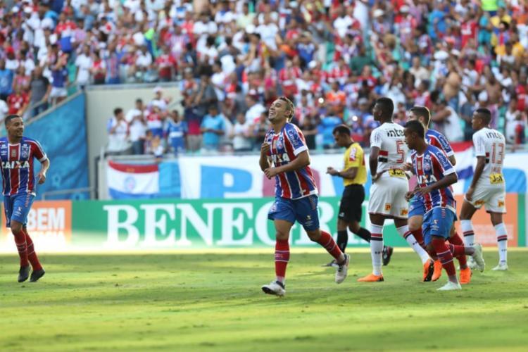 Edigar Junio fez os dois gols do Esquadrão na partida - Foto: Adilton Venegeroles | Ag. A TARDE