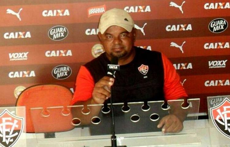 José Roberto usava a marca do clube para atrair os garotos - Foto: Reprodução | Facebook