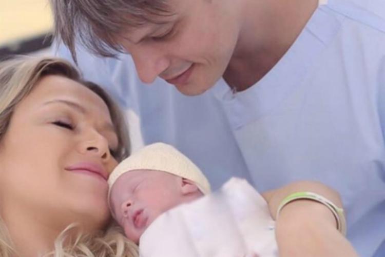 Eliana teve deslocamento de placenta durante a gestação, hemorragia e passou por uma cirurgia no útero - Foto: Divulgação