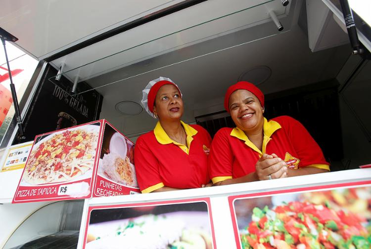 Kátia e Bárbara tiveram a ideia do Destino Gourmet Food Truck após palestra da Semana do MEI 2016 - Foto: Adilton Venegeroles l Ag. A TARDE