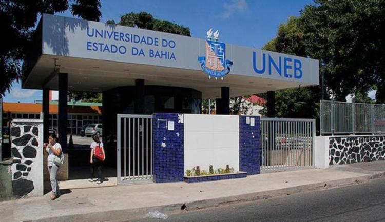 Universidade é uma das faculdades que tem aula suspensa - Foto: Divulgação   UNEB