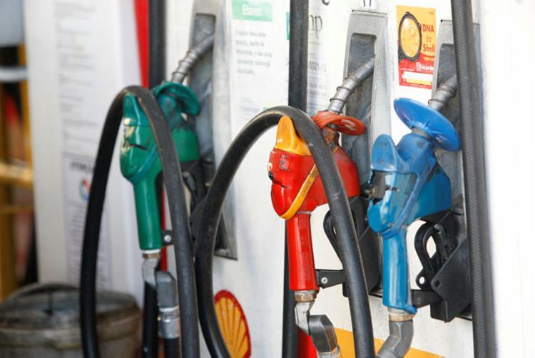 Entre as medidas estão mudanças na tributação de combustíveis - Foto: Luciano Carcará | Ag. A TARDE