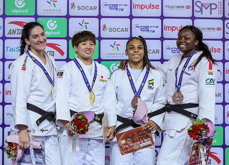 Mayra Aguiar levou a prata, enquanto Samanta Soares ficou com o bronze - Foto: Gabriela Sabau