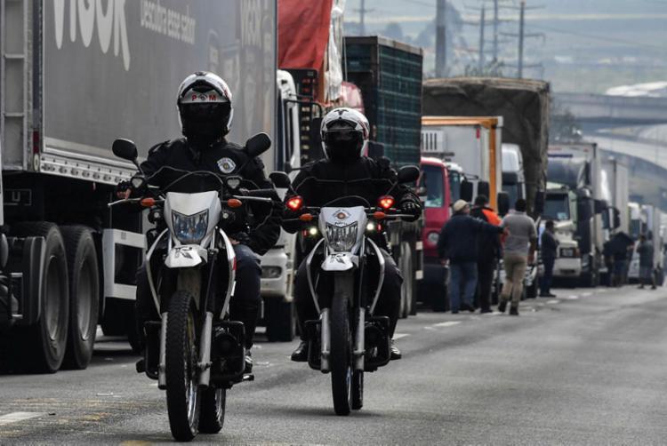 Caminhoneiros e representantes do governo não conseguem chegar a solução para fim da greve - Foto: Nelson Almeida | AFP