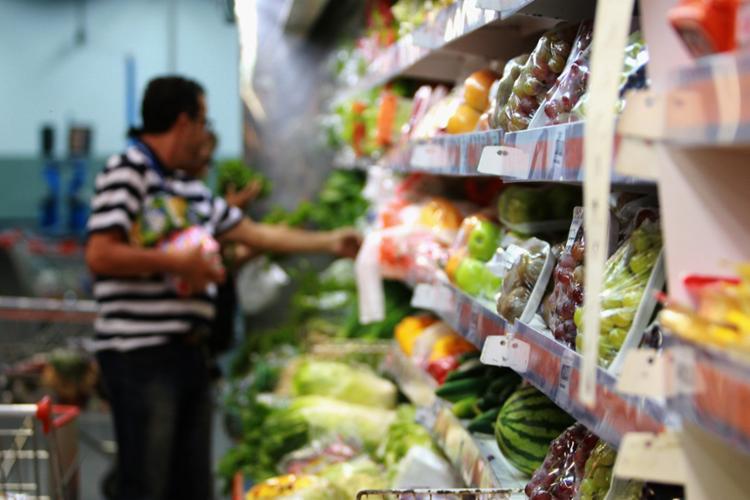 Batata, cebola e tomate estão entre os produtos que o consumidor mais sente falta - Foto: Joá Souza | Ag. A TARDE