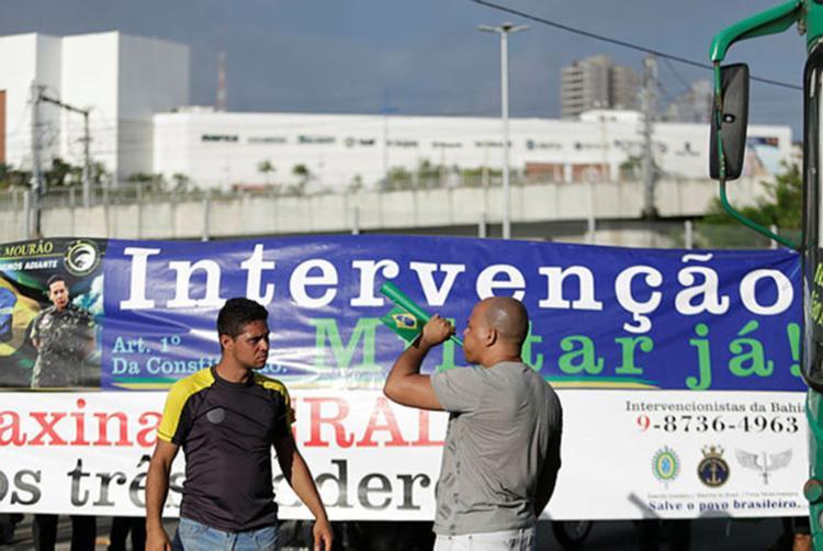 Eles passaram a focar em esforços para fazer o presidente Michel Temer renunciar - Foto: Raul Spinassé / Ag. A Tarde