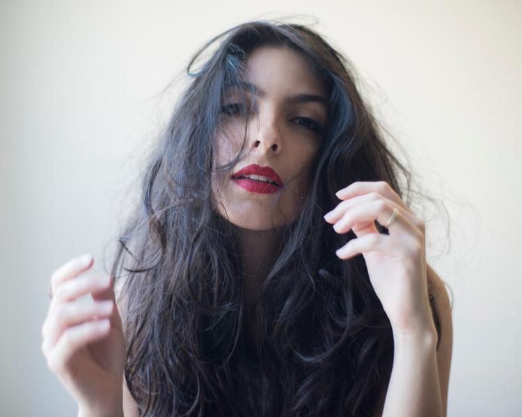 Cantora lança novo disco em Salvador nesta quinta-feira - Foto: Daryan Dornelles / Divulgação