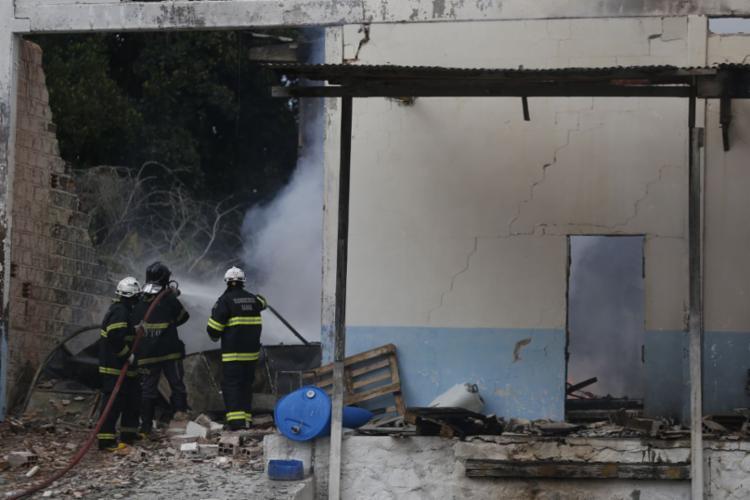 Fábrica estava fechada quando o fogo começou | Raul Spinassé | Ag. A TARDE