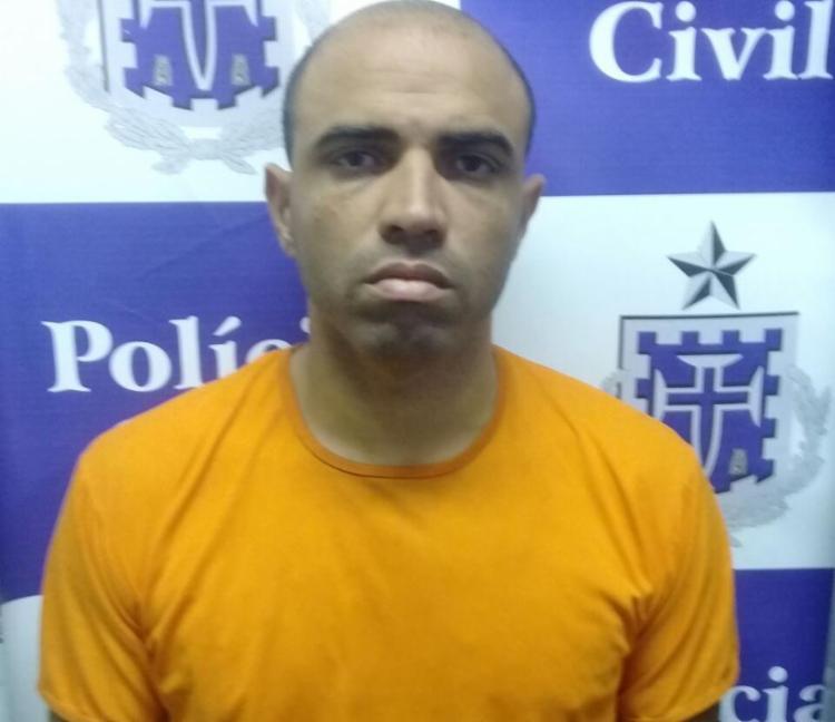 Após se apresentar, Amaral passou por exames de corpo delito e seguiu para o sistema prisional - Foto: Divulgação | SSP-BA
