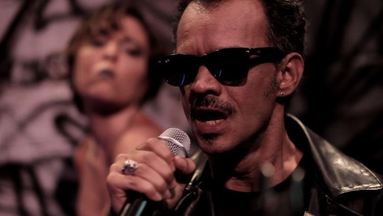 Protagonista vê chance de retornar aos holofotes através de show para cantores amadores - Foto: Divulgação