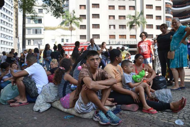 Desabrigados do prédio que desabou após incêndio no Largo do Paissandu - Foto: Rovena Rosa | Agência Brasil