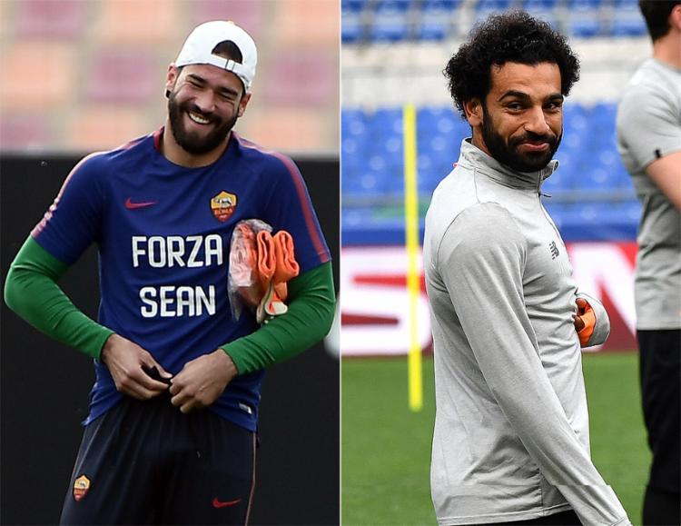 Salah e Alisson duelam nesta quarta-feira, 2, por vaga na final - Foto: Filippo Monteforte e Alberto Pizzoli l AFP