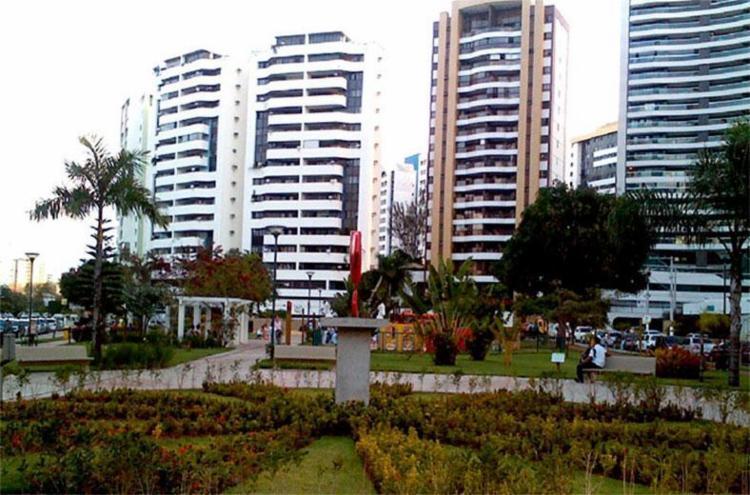 Moradores argumentam que praça fica próxima aos prédios - Foto: Reprodução   Google Maps
