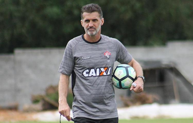Mancini comanda atividade na Toca do Leão nesta terça-feira - Foto: Maurícia da Matta l EC Vitória