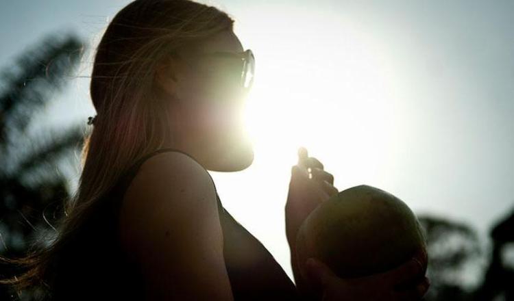 Evitar exposição prolongada ao sol é uma das medidas de prevenção - Foto: Marcelo Carmargo   Agência Brasil