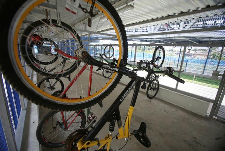Estação Pirajá é um dos locais que disponibilizam bicicletários para os ciclistas - Foto: Joá Souza | Ag. A TARDE