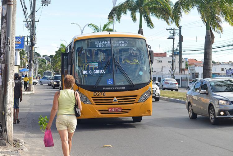 Ônibus urbanos não vão circular durante o domingo - Foto: Alessandra Lori l Ag. A TARDE