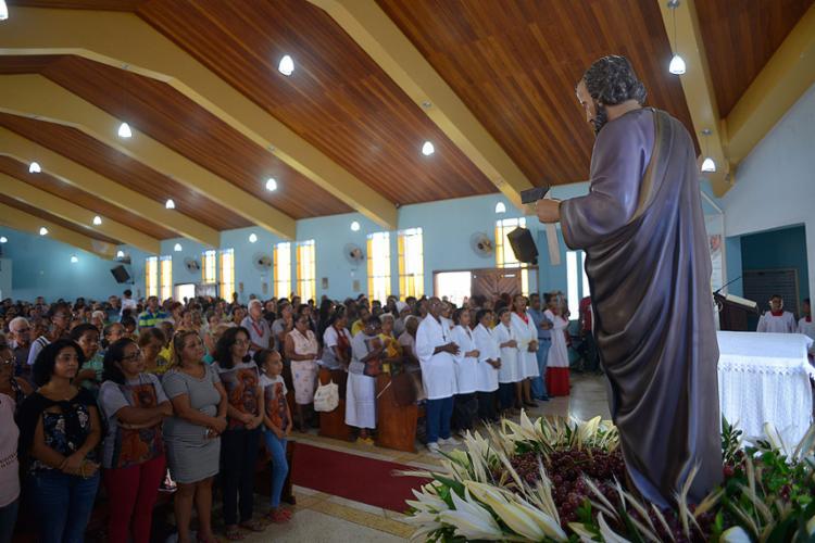 Missa ocorreu em templo localizado em Pernambués - Foto: Shirley Stolze l Ag. A TARDE
