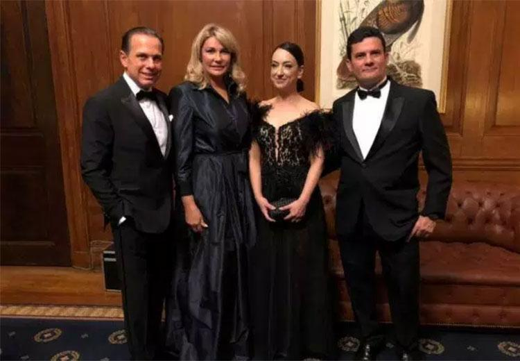 Moro recebeu premiação das mãos de Doria - Foto: Divulgação