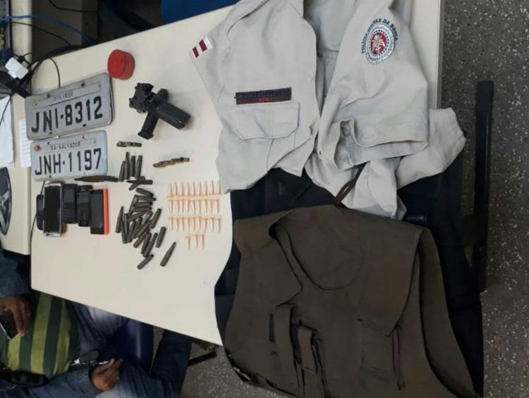 Uniforme foi localizado dentro de imóvel em Itinga - Foto: Divulgação | SSP