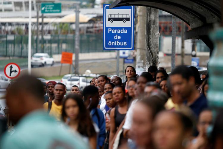 Rodoviários fizeram uma paralisação parcial nesta quarta, 16, também por conta da campanha salarial - Foto: Raul Spinassé | Ag. A TARDE