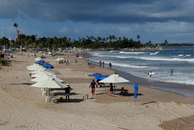Praia de Piatão é uma das consideradas impróprias para banho - Foto: Adilton Venegeroles | Ag. A Tarde