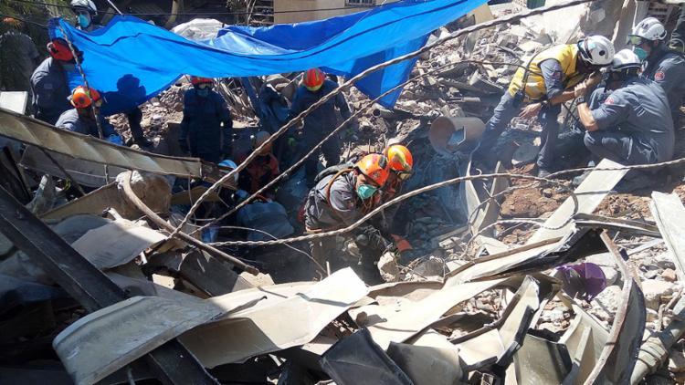 Exames confirmam identidade de morador que era resgatado quando prédio caiu - Foto: Divulgação l Bombeiros PME-SP