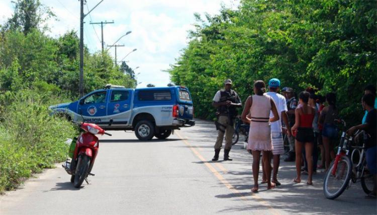 O homem, que foi atingido no rosto e no braço, ainda tentou fugir por um matagal - Foto: Reprodução | Radar 64