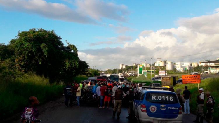 Policiais militares acompanharam o protesto